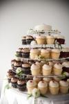 chocolate and vanilla cupcakes | Lavish Greek Wedding by Pravda Events | Photography by Barbie Hull