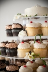 chocolate and vanilla cupcakes | Lavish Greek Wedding by Pravda Events | Photography by Barbie Hull